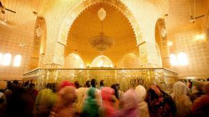 The Sheikh Ahmadou Bamba Mbacke shrine (still from the ″Touba″ documentary)