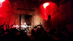 Rebetiko performance by singer Manolis Dimitrianakis in the Hamam Club, Petralona, Athens (photo: Mey Dudin)