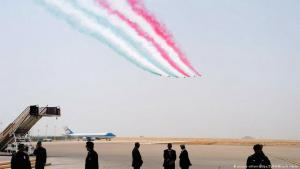 Military jet fly-by at King Khalid International Airport in Riyadh during Trump's presidential visit to Saudi Arabia, 20.05.2017 (photo: picture-alliance/dpa/ZUMA Wire/A. Hanks)