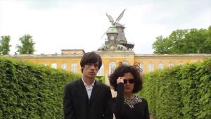 Duo ″Ya Tosiba″ – vocalist Zuzu Zakaria and electronics whizz Tatu Mosak (source: YouTube)