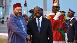 Marokkos König Mohammed VI (links) mit dem ivorischen Präsidenten Ouattara in Abidjan; Foto: Getty Images/AFP