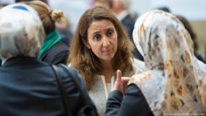 Aydan Ozoguz (SPD), Germany′s federal commissioner for migration, refugees and integration attends the German Islam Conference in 2015 (photo: dpa/picture-alliance)