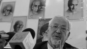Ebrahim Yazdi during a press conference in Tehran in 2005 (photo: dpa/picture-alliance)