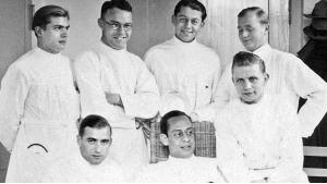 A Muslim among Nazi doctors: Mohammed Helmy (centre front) in the Robert Koch Hospital  in Berlin Moabit (source: Dr Mohammed Helmy′s estate/Al-Kelish family archive)