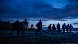 Refugees on the Austrian-German border (photo: picture-alliance/dpa/A. Weigel)