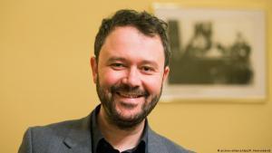 Graphic novelist Riad Sattouf (photo: picture-alliance/dpa/R. Vennenbernd)
