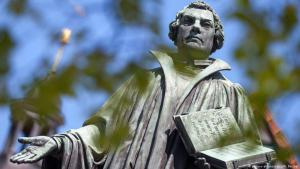 Luther monument in Mohra, Germany (photo: picture-alliance/dpa)