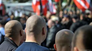 Far-right demonstrators in Germany (photo: picture-alliance/dpa/B. Thissen)