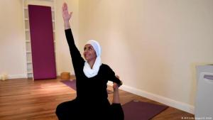 A Saudi woman practices yoga at a studio in the western Saudi Arabian city of Jeddah on 7 September 2018 (photo: AFP/Getty Images/A. Hilabi)