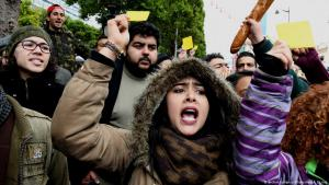 Protests in Tunisia against austerity and price hikes (photo: picture-alliance)