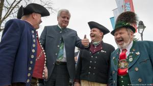 Who decides what constitutes ʹhomelandʹ? Homeland Minister Horst Seehofer thinks he knows (photo: picture-alliance/dpa)