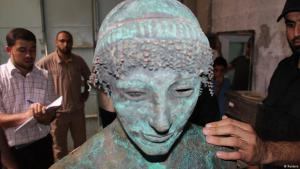 A bronze statue of the Greek God Apollo is pictured in Gaza in this September 19, 2013 picture provided by Gaza's Ministry of Tourism and Antiquities (photo: Reuters)
