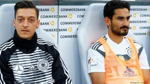 Friendly between Germany and Saudi Arabia on 08.06.2018 – Mesut Ozil and Ilkay Gundogan on the bench (photo: Reuters)