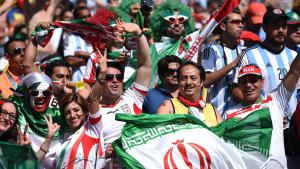 ALT_Tags: Iranian fans at the FIFA World Cup (photo: dpa/picture-alliance)