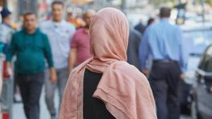 Muslim woman in Germany (photo: Georg Wendt/dpa)