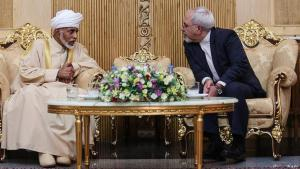 Shared strategic interests: Sunni Sultan of Oman Qabus ibn Said meets with Shia Iranian Foreign Minister Mohammad Javad Zarif in Tehran, August 2013 (photo: mehr)