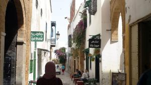 Tunis Old Town, a picture postcard idyll (photo: Sarah Mersch)