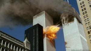 Attack of the World Trade Center, 11 September 2001 (photo: picture-alliance/AP Photo/C. Soi Cheung)