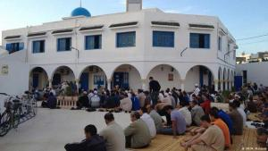 Eid ul-Adha prayers in Assalema Mosque, Ariana, a suburb of Tunis (photo: DW/M. Mahjoub)