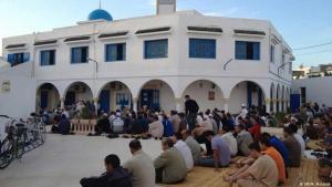 Eid ul-Adha prayers in Assalema Mosque, Ariana, a suburb of Tunis (photo: DW/M. Mahjoub)