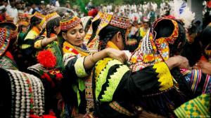 Kalash tribe from Pakistanʹs Chitral district (photo: picture-alliance/dpa)
