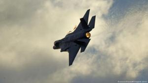 Symbolic image of the Israeli air force, showing an F-35 fighter jet (photo: picture-alliance/AP Images/A. Shalite)