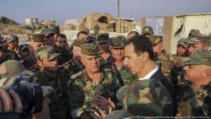 Syria's dictator Bashar al-Assad visits military units in Habeet in the province Idlib (photo: picture-alliance/AP)