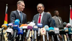 Germany's Foreign Minister Heiko Maas and Sudan's premier Abdalla Hamdok give a press conference in Khartoum on 03.09.2019 (photo: picture-alliance/dpa/K. Nietfeld