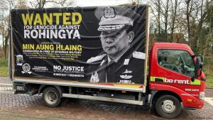 Protesting Rohingya genocide in front of the ICJ in The Hague (photo: DW)