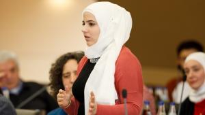 Syrian Bayan al-Marashli during the IKKN feedback meeting in Donauworth, Germany (copyright: Engagement Global/photo: Andreas Grasser)