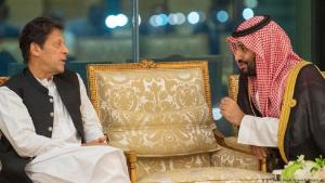Pakistani Prime Minister Imran Khan and Saudi Crown Prince Mohammed bin Salman (photo: AFP/Saudi Royal Palace/B. Al-Jaloud)