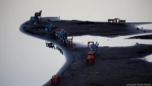 Chairs are left facing the banks of the Blue Nile river in Khartoum, Sudan, 15 February 2020 (photo: REUTERS/Mohamed Nureldin Abdallah)
