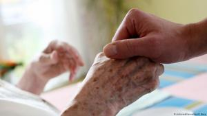 Photo symbolising palliative care (photo: picture-alliance/dpa/O. Berg)