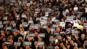 People demonstrate their solidarity with the victims on the first anniversary of the Charlie Hebdo attack (photo: picture alliance/dpa)