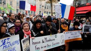 Anti-Islamophobia protesters in Paris (photo: Getty Images/AFP/G. Van der Hasselt)