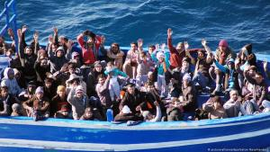 Refugees arriving in Lampedusa (photo: picture-alliance/dpa)