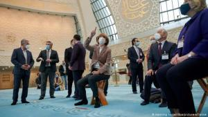 Germany's Open Mosque Day: here in Cologne (photo: Henning Kaiser/dpa/picture-alliance)