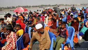 Rohingya being transported by Bangladeshi authorities to the island of Bhasan Char (photo: Reuters/Mohammed P. Hossain)