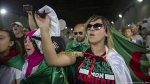 Algeria: Young people protest against an ossified system (photo: picture-alliance/abaca/L. Ammi)