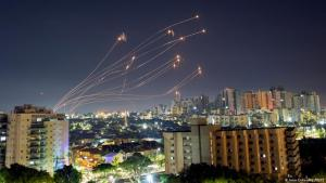 Israel: missiles are intercepted over Ashkelon by the Iron Dome (photo: Amir Cohen/Reuters)