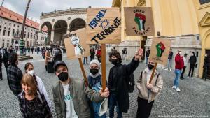 """""""Free Palestine!"""" demonstration in Munich (photo: Sachelle Babbar/Zuma Wire/picture-alliance)"""