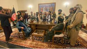 Taliban at the seat of power: after a surprisingly quick campaign of conquest in Afghanistan, the Islamist Taliban have declared victory. Just over three months after the start of the international troop withdrawal from the country in the Hindu Kush, they have occupied the palace of President Ashraf Ghani