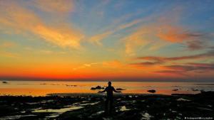 Sunrise on the island of Hormuz in the Persian Gulf (photo: Instagram)