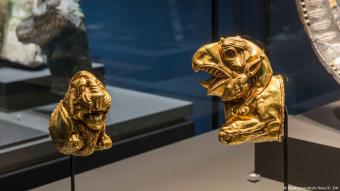 These precious finds, now on show for the very first time outside Iran, were once bound for illegal auction in the West. At the very last moment, police succeeded in intercepting the cultural relics and arresting the smuggling ring
