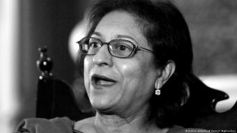 Asma Jahangir, who died of a heart attack on 11.02.2018, speaks to the Associated Press on 14.06.2017 (photo: picture-alliance/AP Photo/K.M. Chaudary)