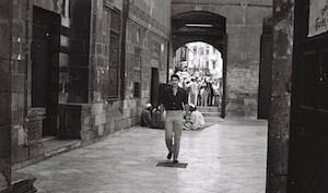 "Still from Youssef Chahine's short ""Al Kahera Menawara be Ahlaha"" (ʹCairo as seen by Chahineʹ, 1991; source: www.arsenal-berlin.de)"