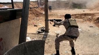 Libyan National Accord Government troops clash with eastern Libyan military commander Khalifa Haftar's troops in Wadi al-Rabie area located at south of Tripoli, Libya on 10 April 2019 (photo: picture-alliance/AA/H. Turkia)