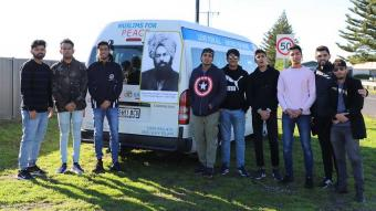 Members of the Ahmadiyya Muslim Youth Association (photo: Twitter)