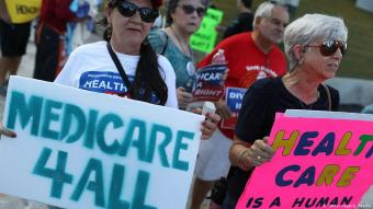 Medicare for All protesters demonstrating on 24 July 2017 in Fort Lauderdale, United States (photo by Joe Raedle/Getty Images)