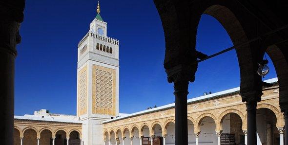 Controversy Surrounding The Al Zaytuna Mosque In Tunis The Ambivalent Revival Of Islamic Traditions Qantara De